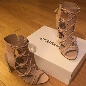 Must have! Blush pink heels 🌸